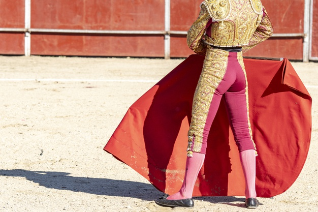 picture bullfighter matador traditional clothes red fabric 181624 28983
